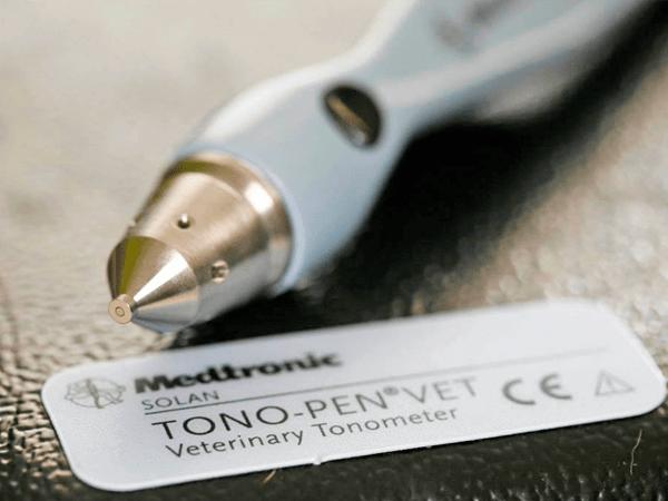 tonómetro de aplanamiento tono-pen